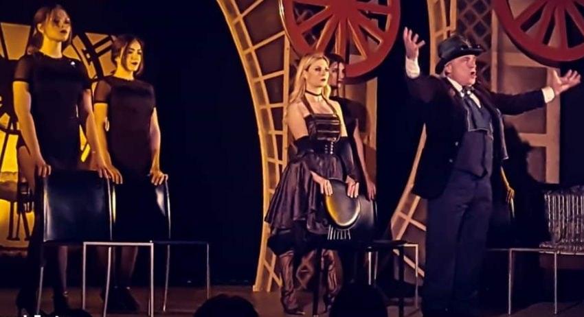 https://www.salernocitta.com/wp-content/uploads/2019/10/Au-Moulin-Ruoge-de-Paris.jpg
