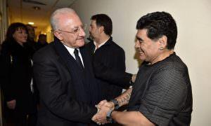 https://www.salernocitta.com/wp-content/uploads/2020/11/maradona-e1606325409392.jpg